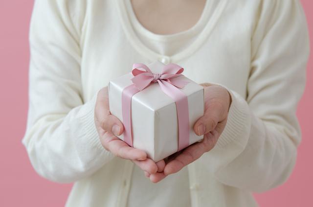 男性への誕生日プレゼントにはデザイン性と機能性に優れたグレンロイヤルの長財布