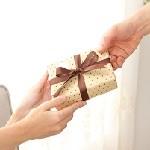 オールマイティにいける!コモノの腕時計はどうしてプレゼントに最適なの?