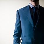 スーツスタイルに好印象を与えるメンズ長財布ってどんなもの?おすすめのブランドはこれ!