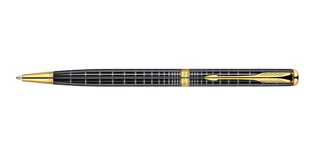 社会人男性へのギフトにはデザインと機能で定評のあるパーカーのボールペン