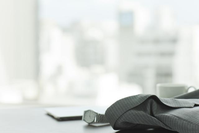 デキるビジネスマンならマストハブ!シンプルな腕時計がフォーマルシーンにおすすめな理由とおすすめブランドは?