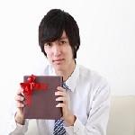 これから活躍する20代の男性の就職祝いは長財布がおすすめ!その理由とおすすめブランドは?