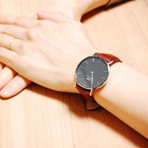 ダニエル ウェリントン クラシック ブラック セントモース/シルバー 36mm ユニセックス 腕時計 DW00100142
