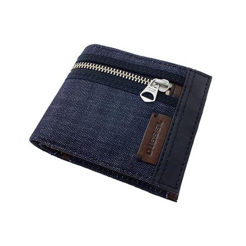 99a921ff5419 【送料無料】今人気のディーゼル DIESEL 二つ折り メンズ 短財布 X01774-PS996-H4729 ダークネイビー×ブラック